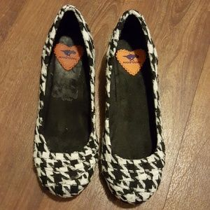 Rocketdog black and white flats